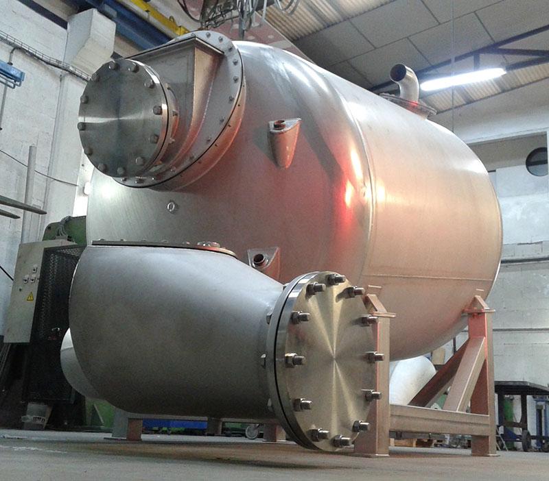 Tanque simple de 3000 litros | Trabajos en acero inoxidable a medida industria alimentaria | ITM INOX