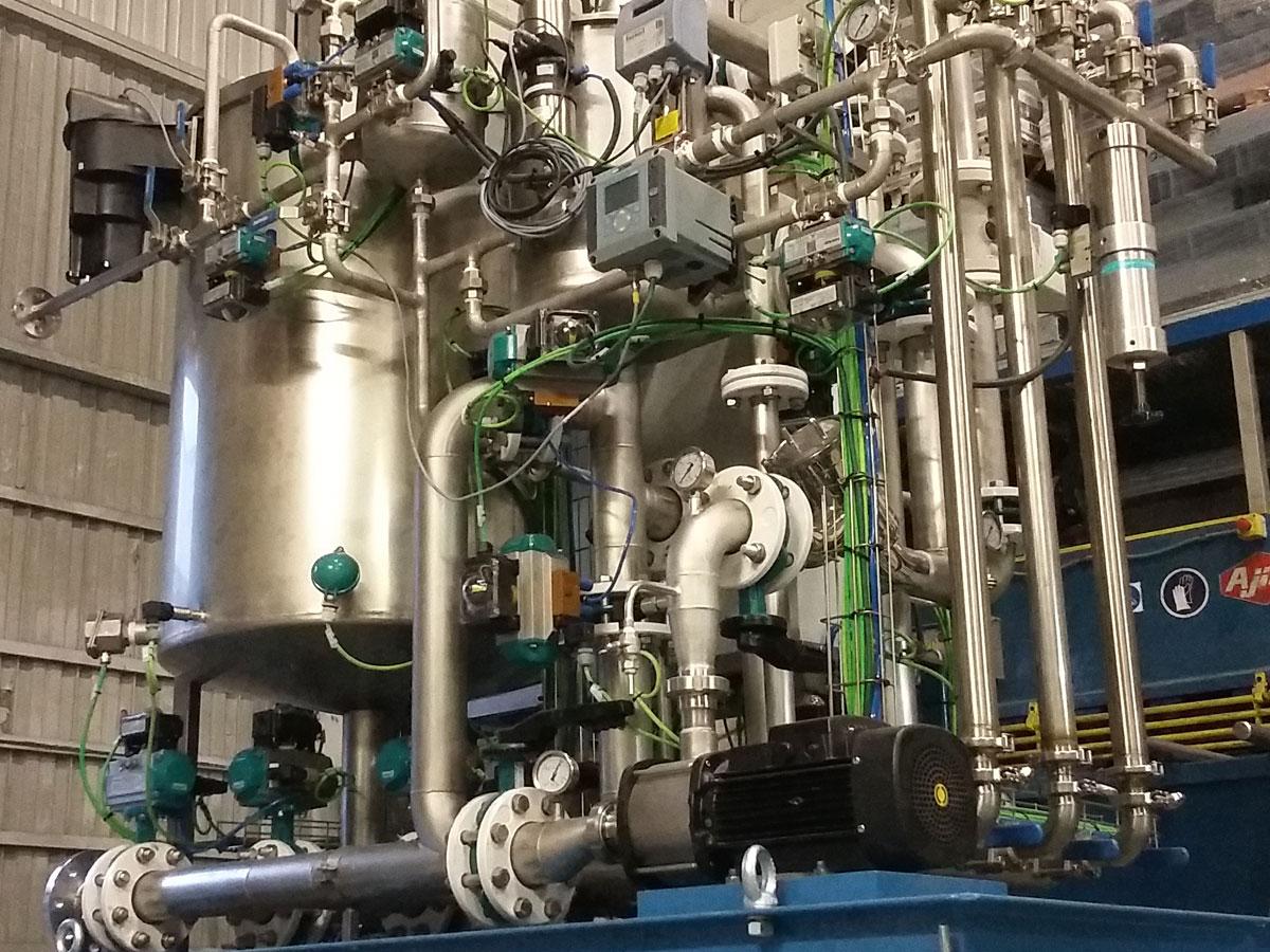 Depuradora de aguas residuales de acero inoxidable sobre bastidor en acero al carbono | Trabajos en acero inoxidable a medida | ITM INOX